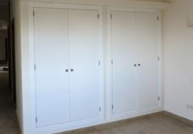 Lacado de armarios de interior en Mallorca. Pinturas Revilo